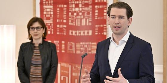 Die Leiterin des Impfgremiums, Ursula Wiedermann-Schmidt, und Bundeskanzler Sebastian Kurz (ÖVP)