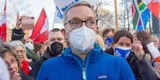Nach Demo-Auftritt fordert ÖVP Rücktritt von Kickl