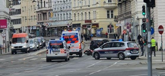 Die Rettung und die Polizei Wien waren vor Ort.