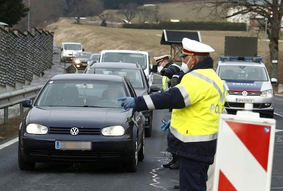 Kontrollen am Dienstag, 9. März 2021, im Rahmen des Starts der Ausreisekontrollen im Bezirk Hermagor in St. Stefan im Gailtal