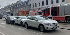 74-Jährige kollidierte mit Wiener Bim und dann mit Auto