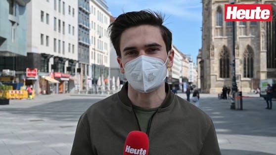 """Heute""-Reporter Paul Resetarits am Stephansplatz"