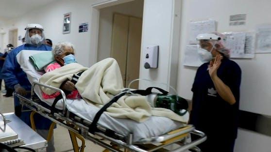 Die 104-jährige Kolumbianerin hat Covid-19 nun schon zum zweiten Mal besiegt