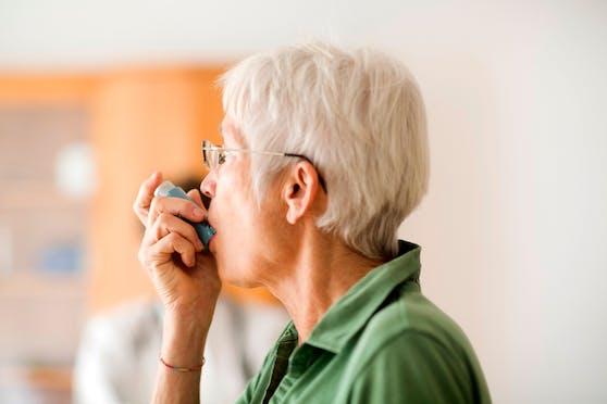 """Eine Studie macht nun Hoffnung, dass ein Asthma-Spray zum """"Game Changer"""" in der Pandemie wird. Symbolbild."""