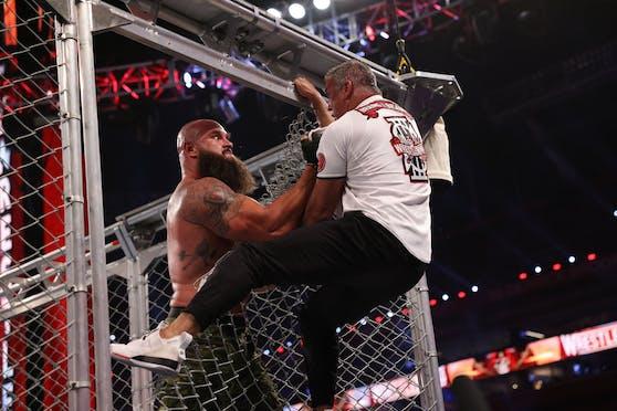 Braun Strowman vs. Shane McMahon