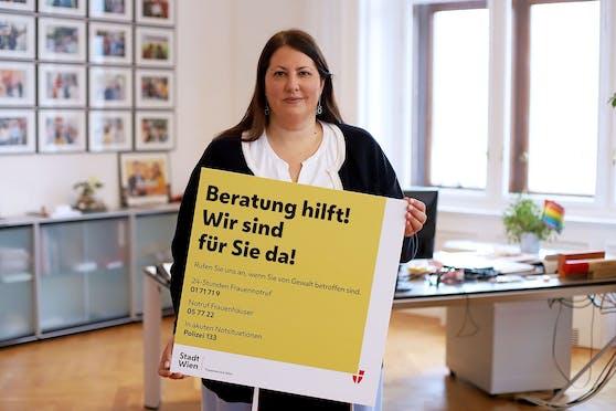 """Die Mehrfachbelastung für Frauen steigt immer weiter an"""", so Vizebürgermeisterin und Frauenstadträtin Kathrin Gaal (SPÖ). Daher bietet die Stadt nun Beratungsvideos an, die Frauen in der Coronakrise unterstützen und stärken sollen.r setzt"""