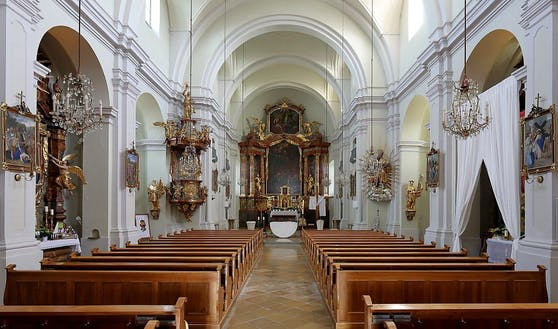 Die Pfarrkirche in Loosdorf