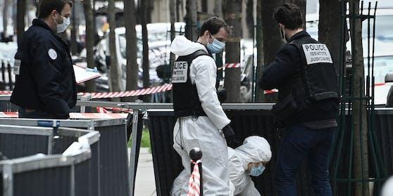In Paris kam bei einer Schießerei vor einem Krankenhaus eine Person ums Leben.