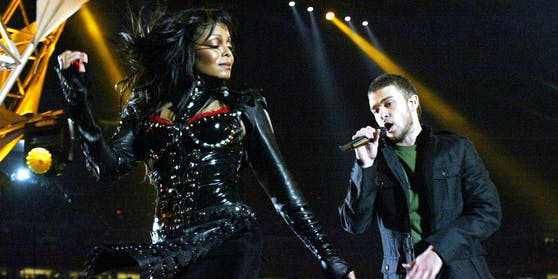 """""""Nippelgate"""": Janet Jackson and Justin Timberlake in derHalbzeitpause des Super Bowls 2004"""