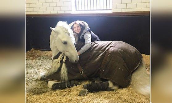 """Luisa Collins und ihr Pferd """"Madrono"""" waren unzertrennlich."""