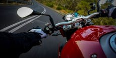 Biker (27) raste mit 200 km/h Zivilstreife davon