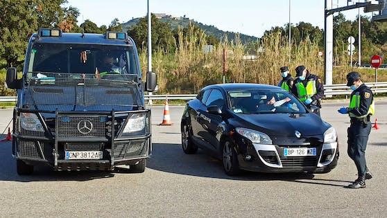Ein Geisterfahrer führte in Spanien eine Leiche auf dem Beifahrersitz mit (Symbolbild).