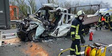 Transporter krachte gegen LKW – Lenker gestorben