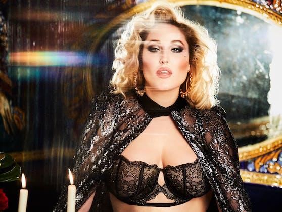 """Plus-Size-Model Haley Hasselhoff setzt mit ihren """"Playboy""""-Fotos ein wichtiges Zeichen."""