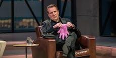 Perioden-Handschuh nach TV-Auftritt vom Markt genommen