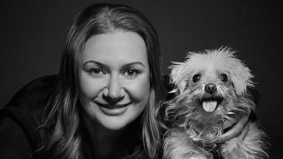 Schauspielerin Angelika Niedetzky setzt sich sehr für Tierschutz ein.