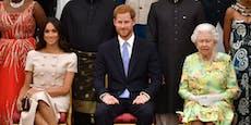 Attacke auf Oma! Prinz Harry haut sogar aufdie Queen hin