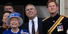 So setzt sich die Queen für Harry und Prinz Andrew ein