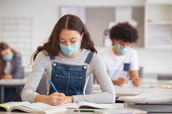 Schularbeiten ohne Mundhygiene in der Früh