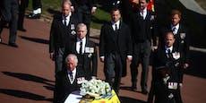 Harry und William begleiten den Sarg von Prinz Philip