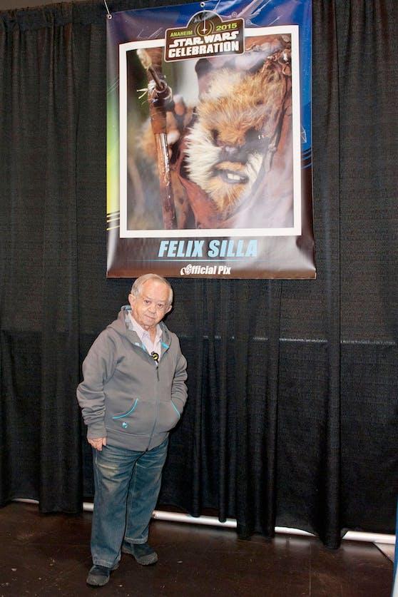 """Schauspieler Felix Silla bei einer """"Star Wars""""-Convention 2015. In der """"Rückkehr der Jedi"""" spielte er 1983 einen Ewok."""