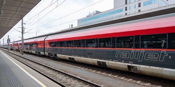 Künftig soll eine neue Bahnverbindung zwischen Wien, Prag und Berlin schnellere Reisen zwischen den drei Hauptstädten ermöglichen.