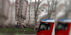 Feuer im Gemeindebau – Polizei sperrt Straße am Gürtel