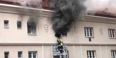 Dramatische Rettung bei Brand in Gemeindebau