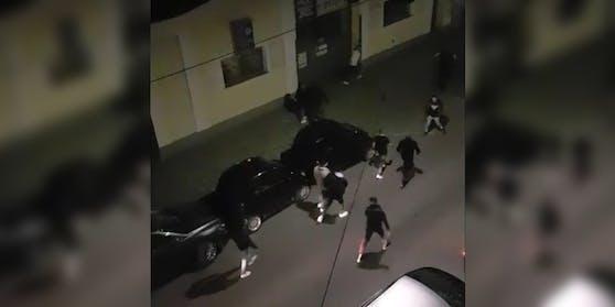 In der Nacht auf Sonntag flohen rund 30 Teenager in Wien-Ottakring.