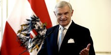 Benimm-Papst rechnet mit Minister-Outfit ab