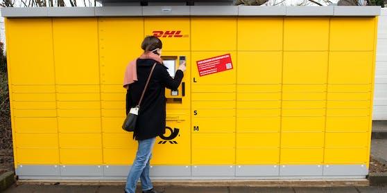 Symbolbild: Anders als in Österreich, stehen die Abholstationen der Deutschen Post überwiegend im Freien