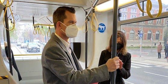 Zur Angelobung fuhr Neo-Gesundheitsminister Wolfgang Mückstein mit der Straßenbahn.