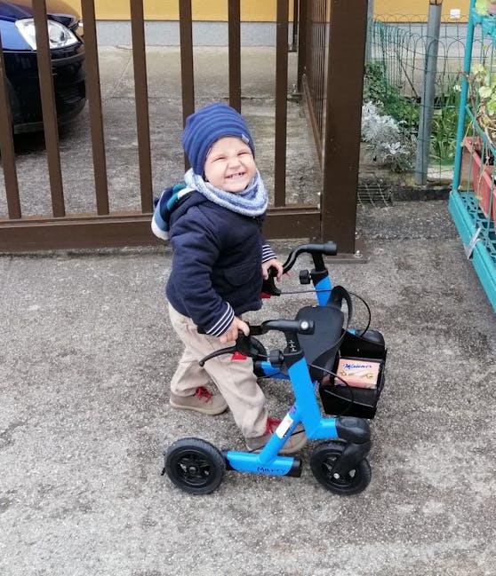 Wie seine kleine Schwester Julia hat auch der kleine Leo (2 Jahre) den seltenen Gendefekt.