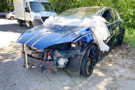 Der Tesla verunglückte, weil der Autopilot nicht eingeschaltet war. (Symbolbild)