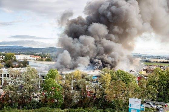 Im Herbst 2019 explodierten in Hörsching 6.500 Deospray-Dosen.