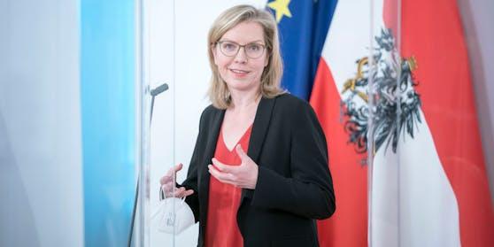 """""""Ein Meilenstein"""", sagt Ministerin Gewessler."""