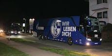 Schalke-Spieler nach Abstieg von eigenen Fans gejagt