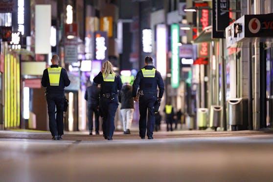 Das deutsche Parlament hat am Donnerstag bundesweit geltende Regeln zur Bekämpfung der Corona-Pandemie verabschiedet.