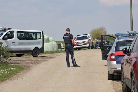 In Höhnhart im Bezirk Braunau wurde ein Bub von einem Bus überfahren.