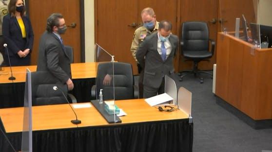 Die Geschworene haben Ex-Polizist Derek Chauvin schuldig gesprochen