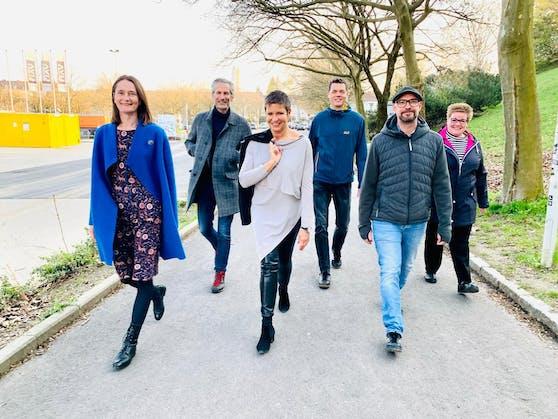 Sie treten als Team zur Linzer Gemeinderatswahl im Herbst an: Brita Piovesan (Tabakfabrik, wir reden mit), Lorenz Potocnik, Renate Ortner und Christian Trübenbach (Grüngürtel schützen, Jetzt), Matthias Zangerl (Rettet den Andreas-Hofer-Park) und Pflegeexpertin Renate Pühringer.