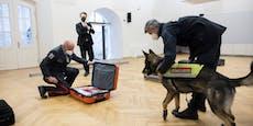 Gernot Blümel besucht Zoll bei Diensthunde-Fortbildung