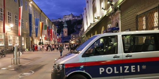 Mehrere Jugendliche prügelten gestern Nachmittag in der Stadt Salzburg auf ein 12-jähriges Mädchen ein. Die Polizei ermittelt.