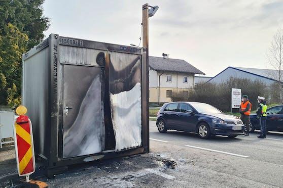 An der Grenze zu OÖ kam es in Straßwalchen zu einem Brandanschlag.