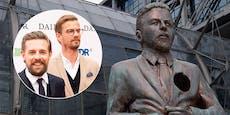 """Joko ehrt Klaas """"nach 15 Jahren"""" mit eigener Statue"""