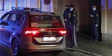 Männer-Gruppe attackiert und verletzt Polizisten
