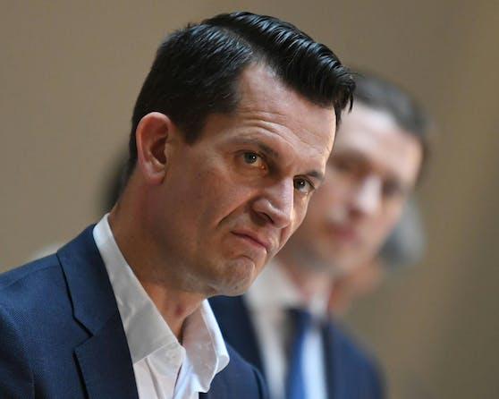 Gesundheitsminister Wolfgang Mückstein plädiert nun ebenfalls für Lockerungs-Schritte.