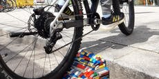 Wegen Randstein: Kinder bauen Radrampe aus Lego