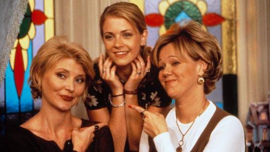 """Melissa Joan Hart (m.) spielte in der Serie """"Sabrina – Total Verhext"""" die titelgebende Hexe."""