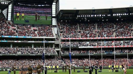 Volle Tribünen beim Aussie Rules Football in Melbourne